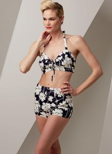 Vogue V9255 Halter bra and shorts, coverup with pockets